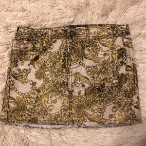 sparkly gold hot kiss skirt size 4 stretchy